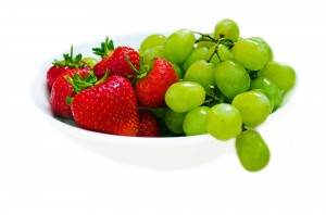 strawberries_and_green_grapes