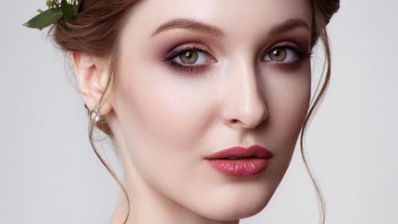 Jak wykonać makijaż ust?
